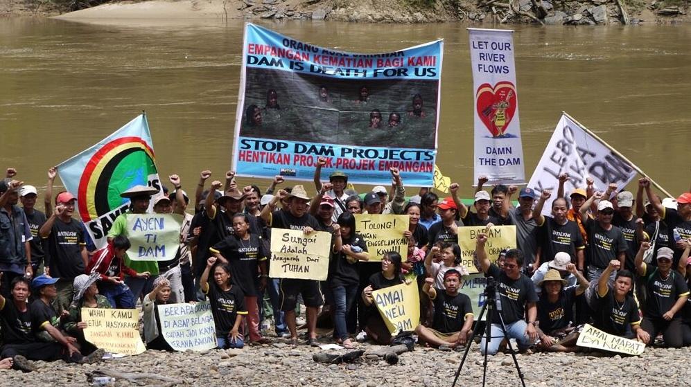Les autochtones de Bornéo gagnent la bataille de la grande usine hydroélectrique, grâce à l'aide venue de Suisse