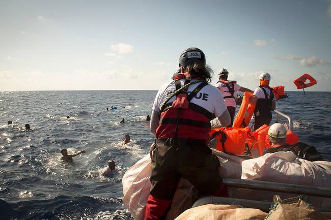 MSF condamne toutes les actions qui entravent les opérations de secours en mer et qui ramènent les personnes en Libye