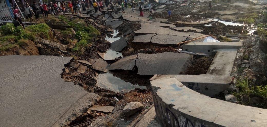 Tsunami: dévastation en Indonésie