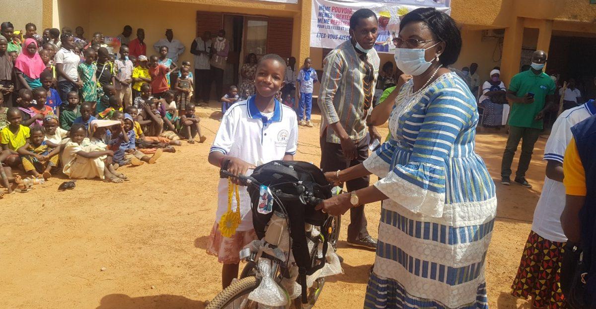 OFFRIR UNE ÉDUCATION AUX ENFANTS EN SITUATION D'URGENCE