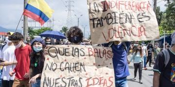 Plus de 300 organisations dénoncent la violence sans précédent en Colombie