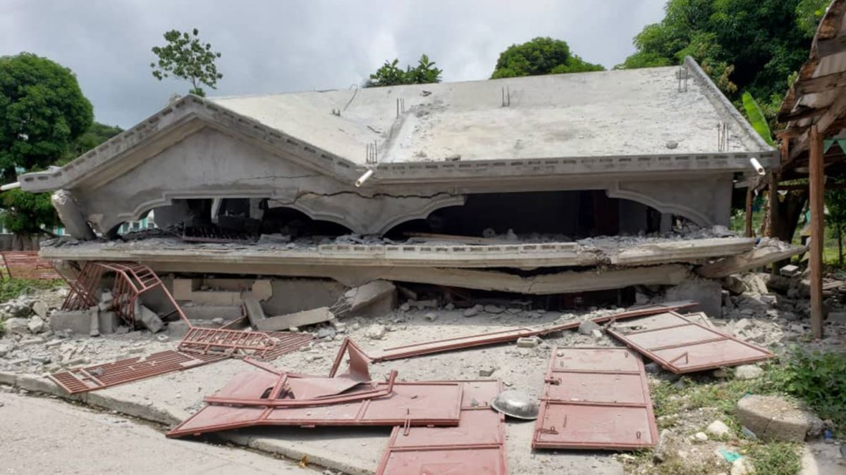 Haiti: évaluations initiales et premières interventions après le séisme
